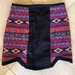 Line & Dot Size SMALL Aztec Skirt WORN ONCE